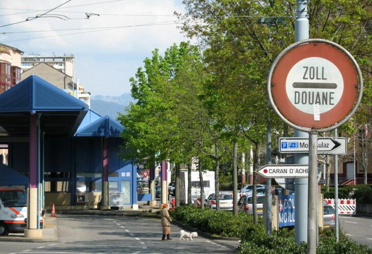 Svizzeri contrari al referendum promosso dall'estrema destra sulla libera circolazione delle persone