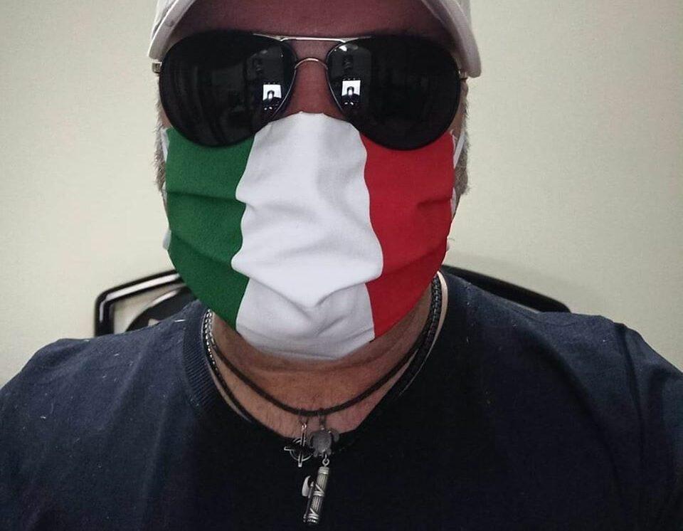 Le Mascherine tricolori di Casapound